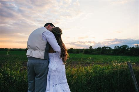 Rose & Riley?s Illinois Farm Wedding ? Rustic Weddings