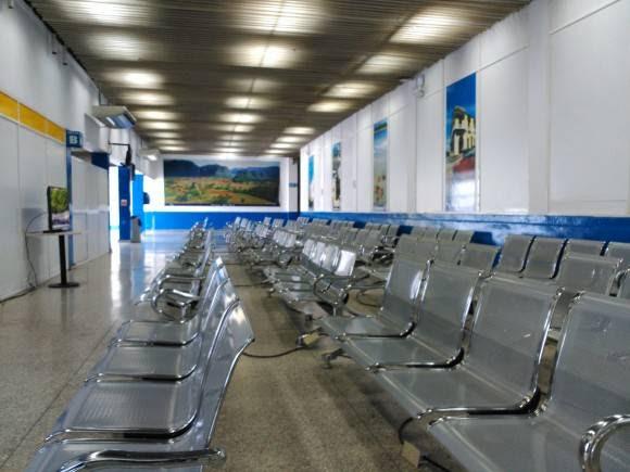 La Sala de espera de la Terminal 1 del Aeropuerto José Martí. Foto: José Díaz