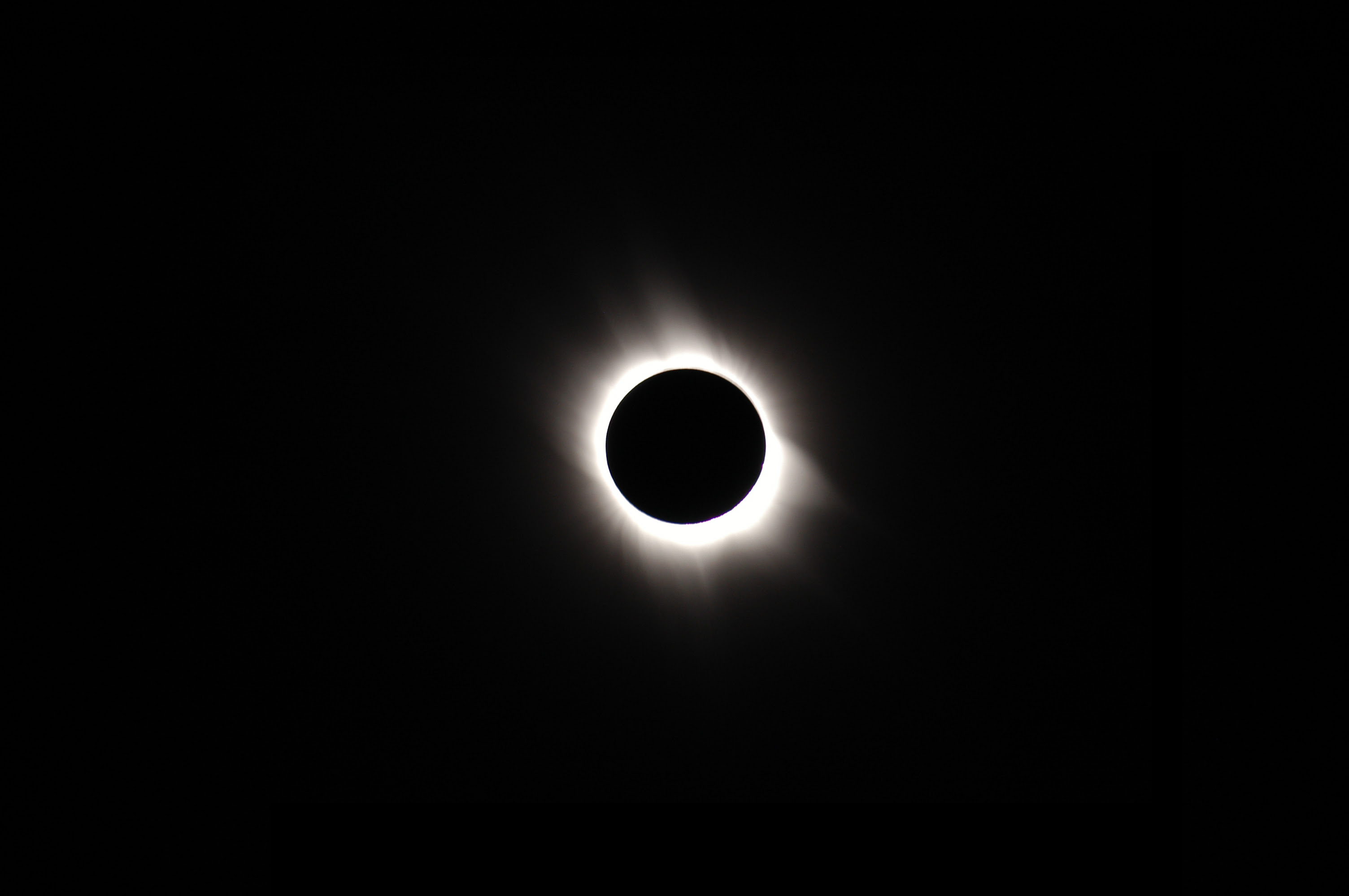 Total Solar Eclipse From Space Wallpaper 3 Deteched