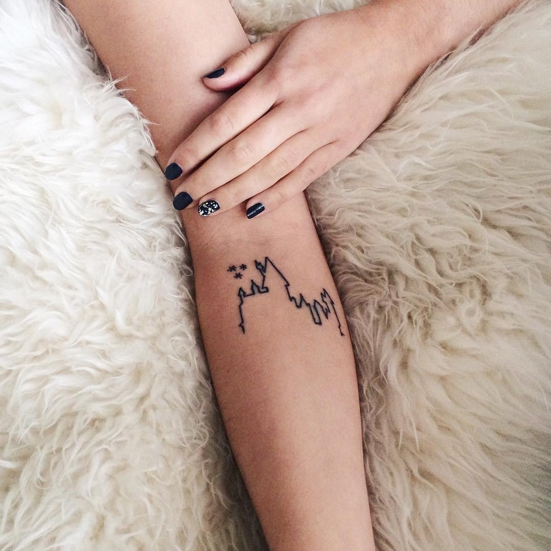 25 Cute Small Feminine Tattoos for Women 2020 - Tiny