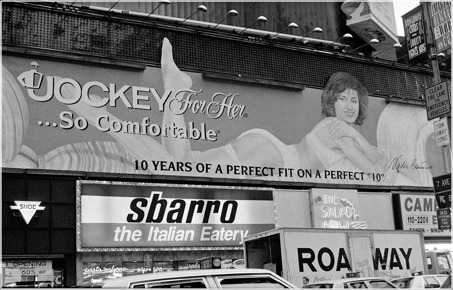 http://mattweberphotos.com/wp-content/uploads/TimesSq-Female-JockeyBillboard-1990-copy.jpg
