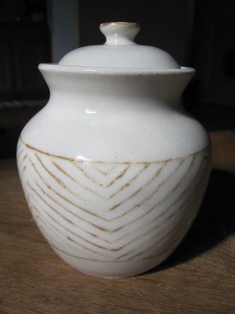 Chevron jar