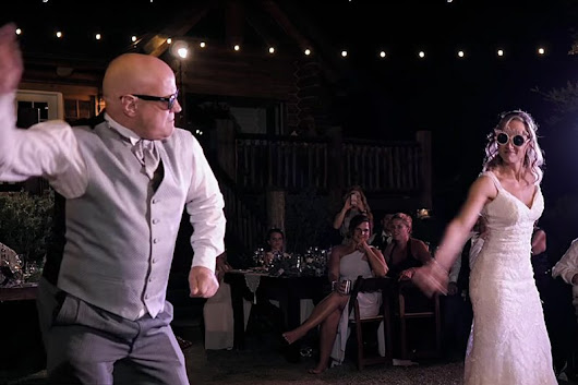 CRAZY Father Daughter Dance With Surprise Cameo - Wedding Compass