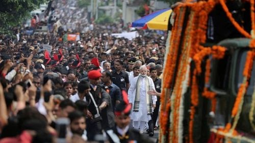 Thousands Of People Came On Streets To Give A Final Farewell To Atal Bihari Vajpayee Ji #AtalJi #Ata...