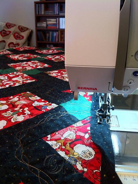 IMG_4894 Christmas table runner - binding