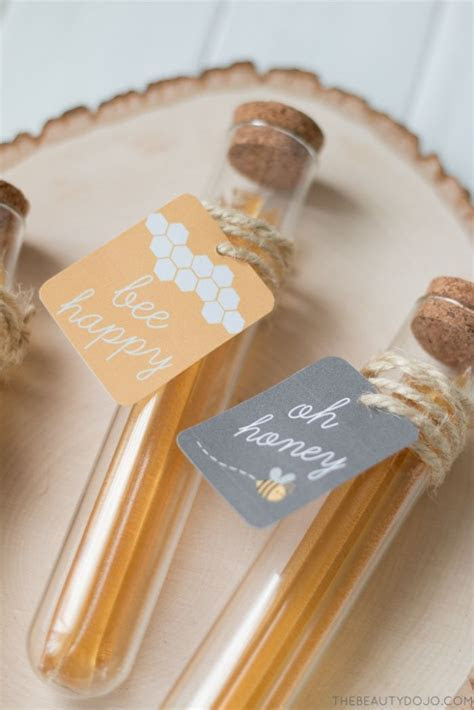 Best 25  Honey favors ideas on Pinterest   Wedding favours