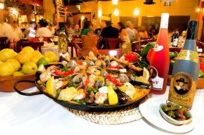 Paella en restaurante de Barcelona Foto