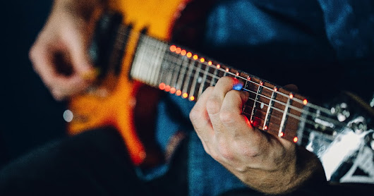 Smart guitar accessory Fret Zeppelin uses LEDs to unleash your inner rock god