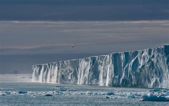 Cachoeiras Geleira em Svalbard na Noruega 2 12 Maravilhas Pictures Natural Ice visto na www.VyperLook.com