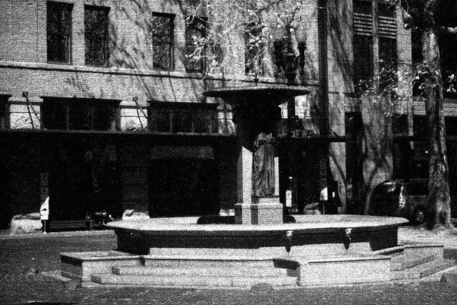 skidmore fountain, may 2013