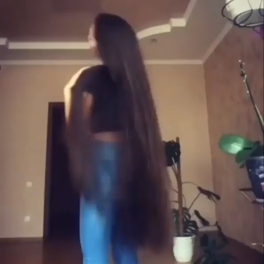 r/funny - Two girls with beautiful hair