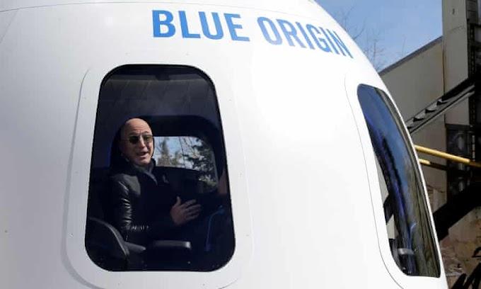 Jeff Bezos vai ao espaço no primeiro vôo tripulado do foguete New Shepard