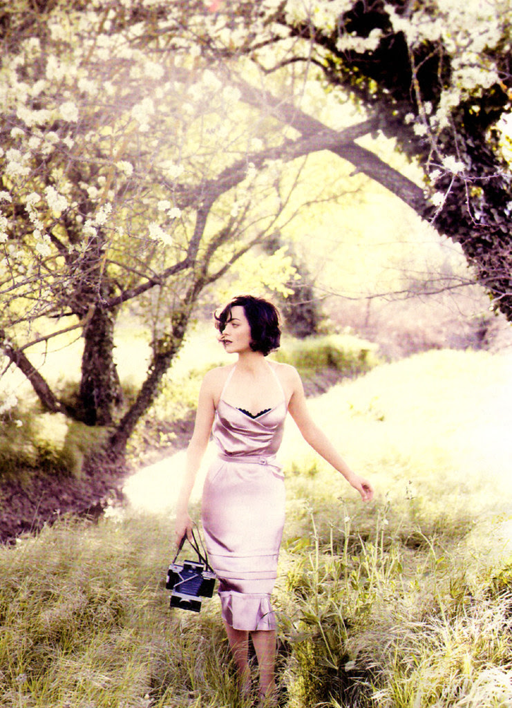 31003-marion-cotillard-vogue-jul10-5-122-241lo