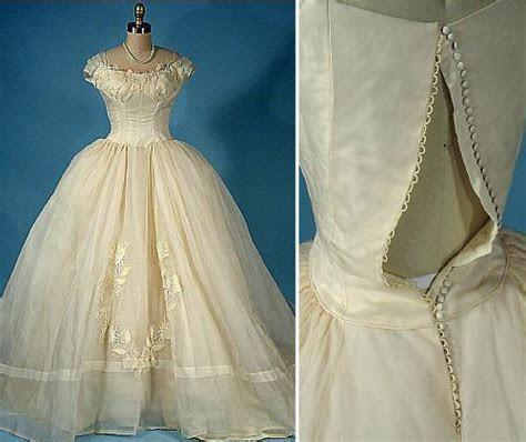 Antique Lace Wedding Dresses Accesories   Antique Lace