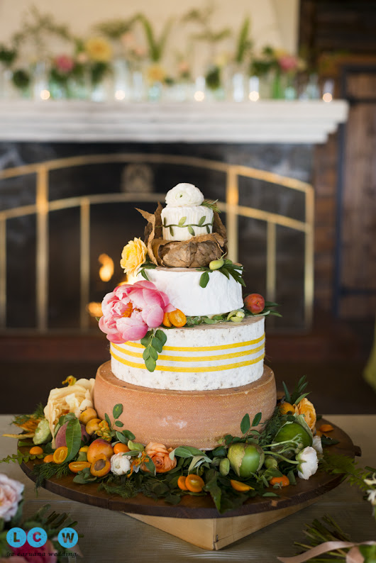 Tips on Choosing a Wedding Cake - from a top San Francisco Wedding and Engagement Photographer