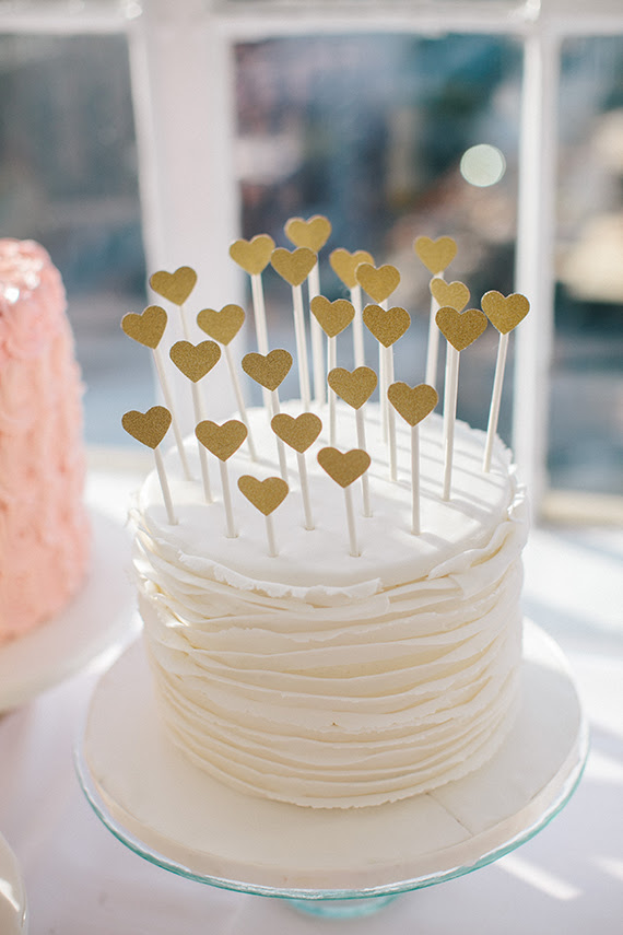 Heart cake toppers | Photo by Sylvia Photography | Read more - http://www.100layercake.com/blog/?p=68388