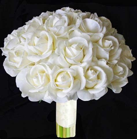 Real Touch Off White Silk Roses Bouquet   Natural Touch
