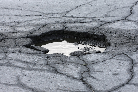 Big increase in pothole-related breakdowns in early 2017