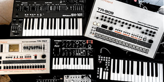 Synthesizer Flohmarkt
