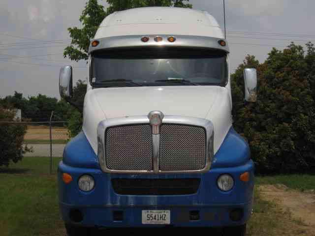 Kenworth T2000 1999 Sleeper Semi Trucks