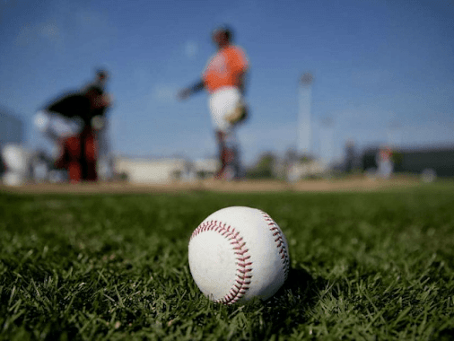 [Right Wing Daily][Right Wing Daily]American presidents have been invited to throw out first pitches...
