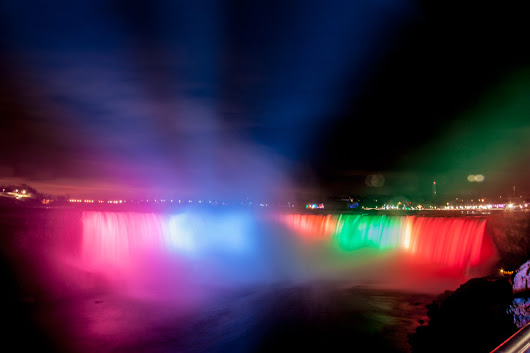 Poll: What Niagara Falls Illumination Colour Is Your Favorite?