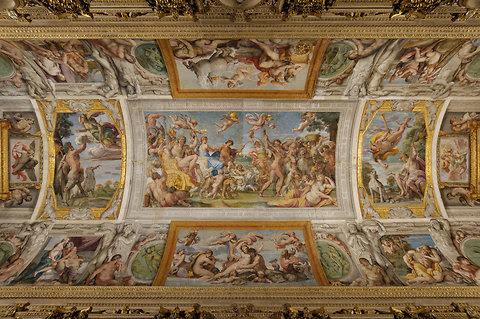 El techo de la galería en el Palazzo Farnese, con frescos de Annibale Carracci.