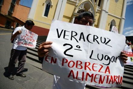 Campesinos marchan en Veracruz. Foto: Rubén Espinosa