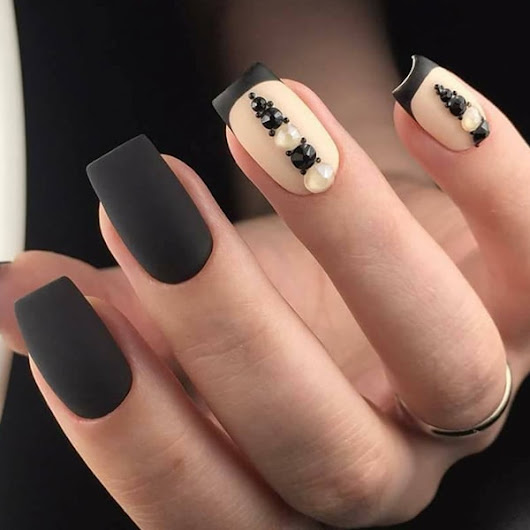 14 Incredible Ideas To Decorate Your Nails Black - trendstutor