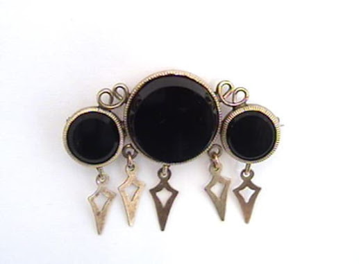 Antique Black Onyx Gold Mourning Brooch by PerlinJewelry on Etsy