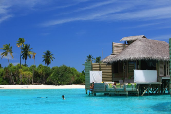 turquoise water maldives resort