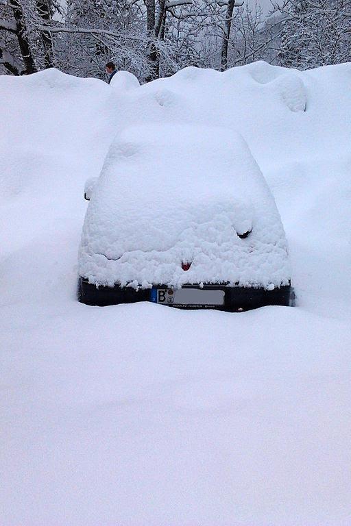 Wildbad kreuth eingeschneites auto 08.01.2012 13-24-10.11.11