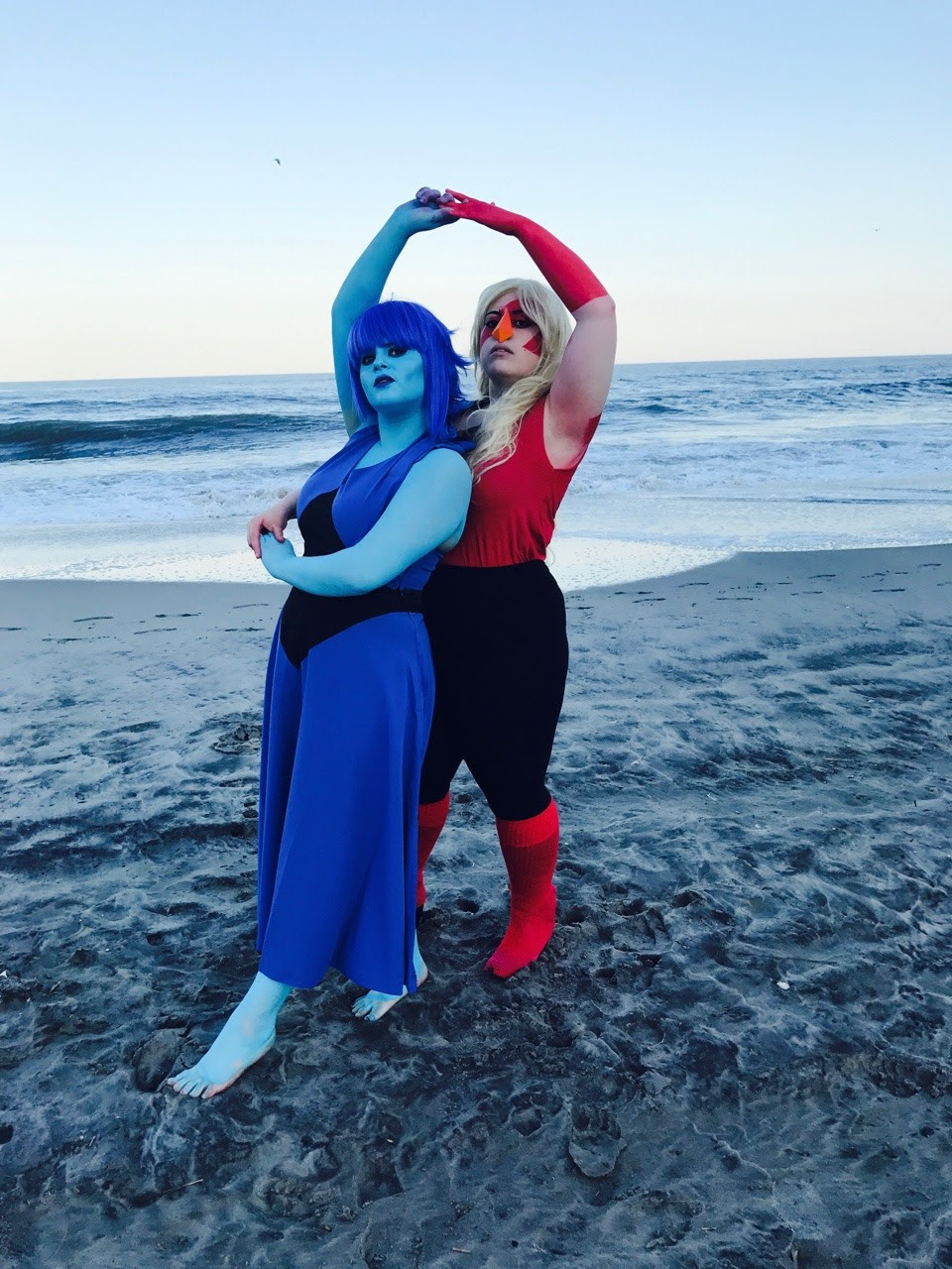 Animenext day 1! This was my debut for Lapis and I was very proud of her. If you have any pictures please tag me or send them! And follow our cosplay group @merakikaicosplay