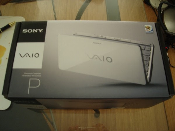 VAIO P spotted and unboxed in the American wild