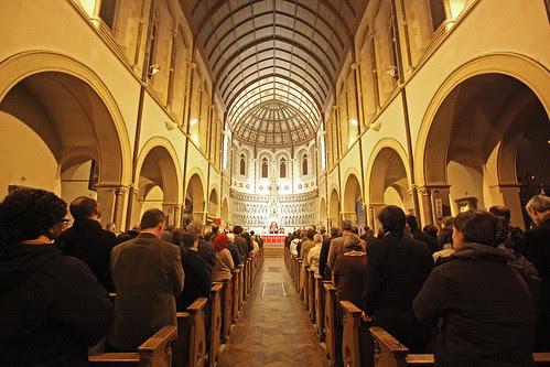 Cardinal Pell celebrates Mass in Oxford
