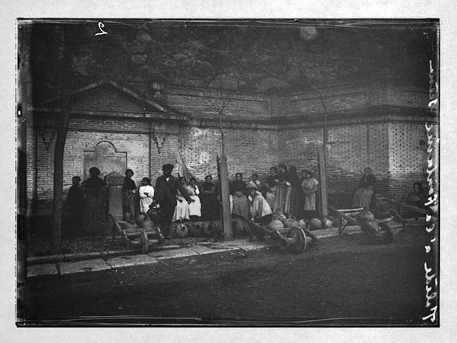 Fuente de Carlos III en el Paseo de la Rosa hacia 1910. Fotografía de Charles Chusseau-Flaviens. Copyright © George Eastman House, Rochester, NY