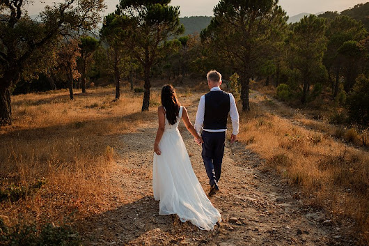 A Simple Outdoor Wedding in Provence: Alex & Mark