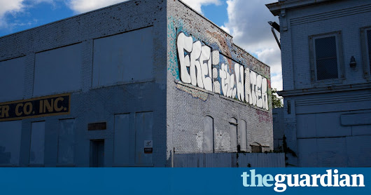 Nestlé pays $200 a year to bottle water near Flint – where water is undrinkable | US news | The Guardian