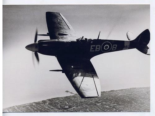 Spitfire MkXII MB882 No 41 Sqdn