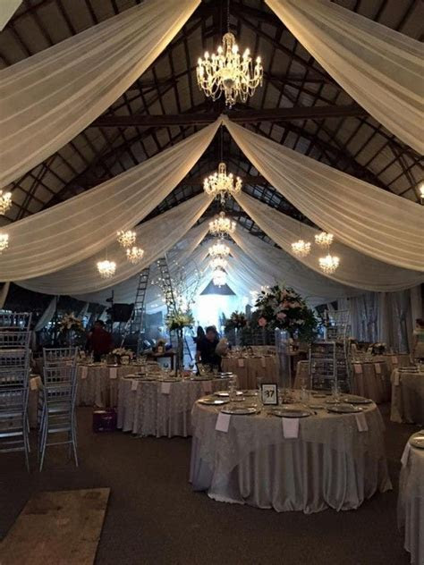 wedding chandeliers, barn wedding ohio, cleveland dj
