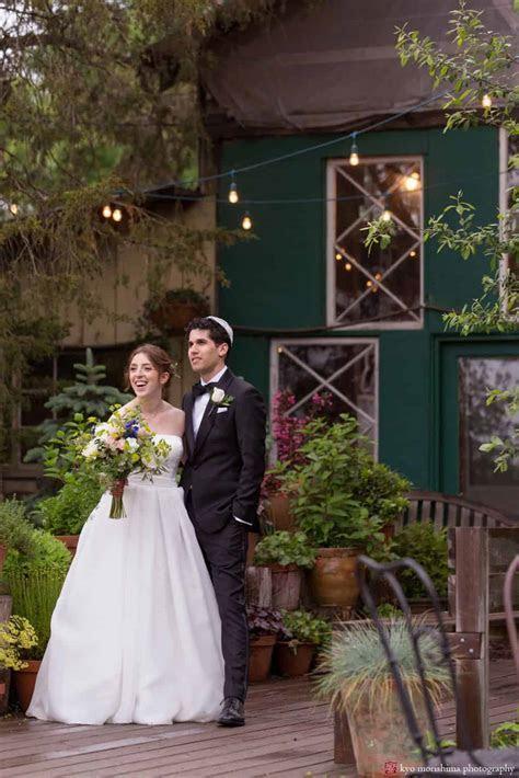 Blooming Hill Farm Wedding Photos: A fun, rustic, rainy