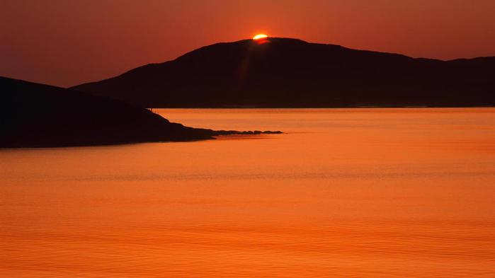 zakat-na-ostrove-taransai-vneshnie-gebridi-shotlandiya (700x393, 20Kb)