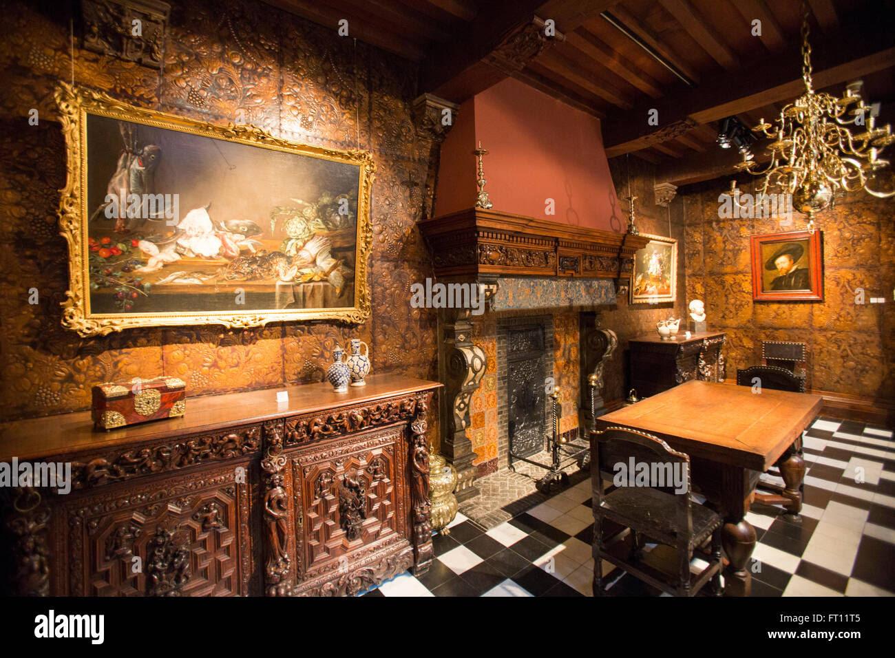 At Home in Chicago : Schweikher-Langsdorf Home & Studio