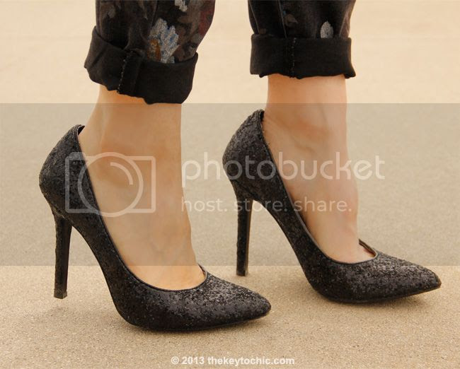 Mossimo black glitter pumps