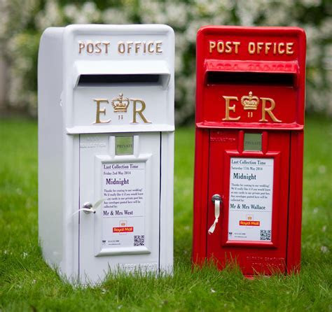 Wedding Post Box ? Adela Rosa