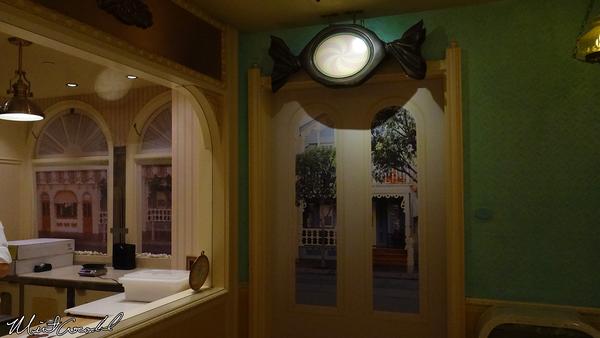 Disneyland Resort, Disneyland, Candy Palace