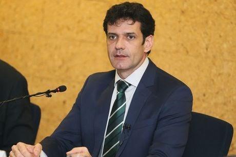Ministro Marcelo Álvaro Antônio testa positivo para covid-19