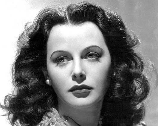 Happy 100th birthday Hedy Lamarr, the inventor who made the wireless internet possible