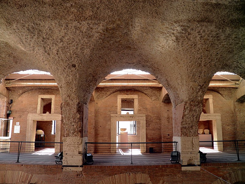 The upper floor of Trajans Market, Museo dei Fori Imperiali, Rome (8070767093).jpg
