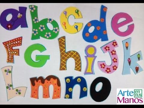Arte en tus manos con lili y sam abecedario en foami o - Hacer nombres con goma eva ...